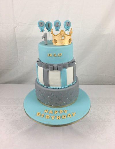 Geburtstagstorten Da Rino Bottrop drei stöckig mit Krone