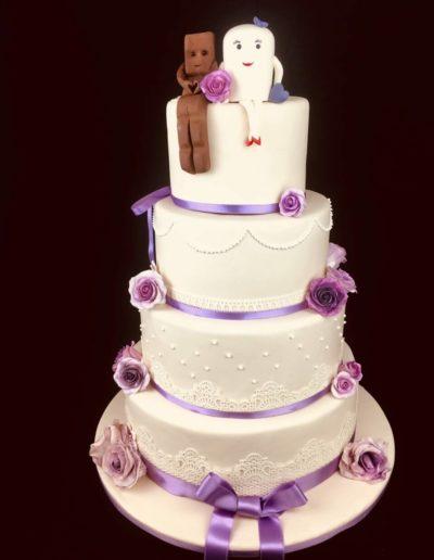 Hochzeitstorten Da Rino Bottrop weiss lila Rosen Schokolade und Milch