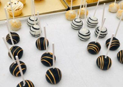 Sweet Table Da Rino Bottrop Cupcakes Cake Pops schwarz weiss